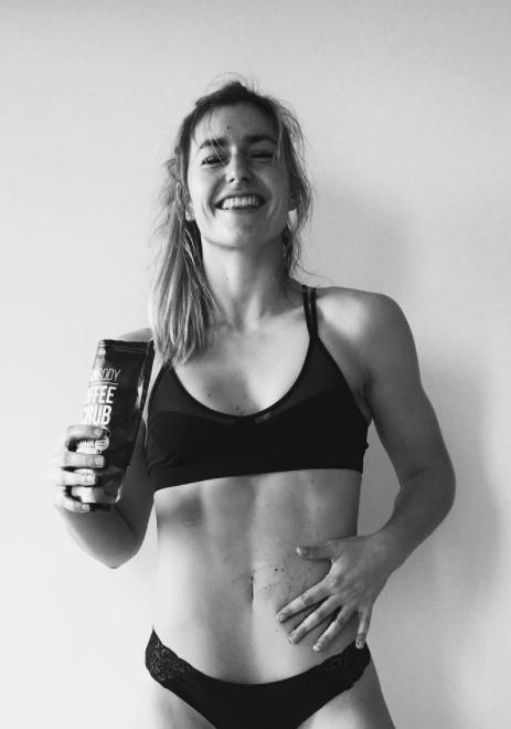 Here Frances shows off her amazing toned tum. Source: Instagram