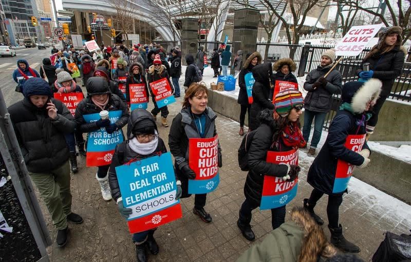 Ontario overpays some parents for elementary school strike compensation