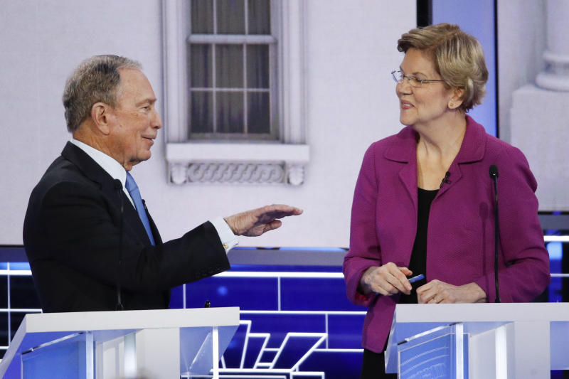 Mike Bloomberg and Elizabeth Warren debate in Las Vegas. (AP Foto/John Locher)