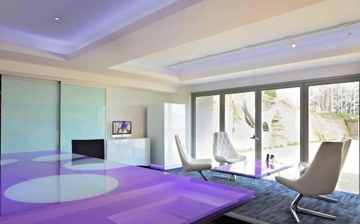 <p>The home is almost 14,000 square feet.<br></p>