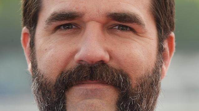 Comedian Rob Delaney announced on Friday the heartbreaking death of his 2-year-old son, Henry.