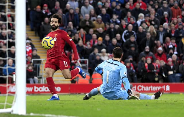 Liverpool's Mohamed Salah (left) scored a brace in the 4-0 win over Southampton (Peter Byrne/PA)