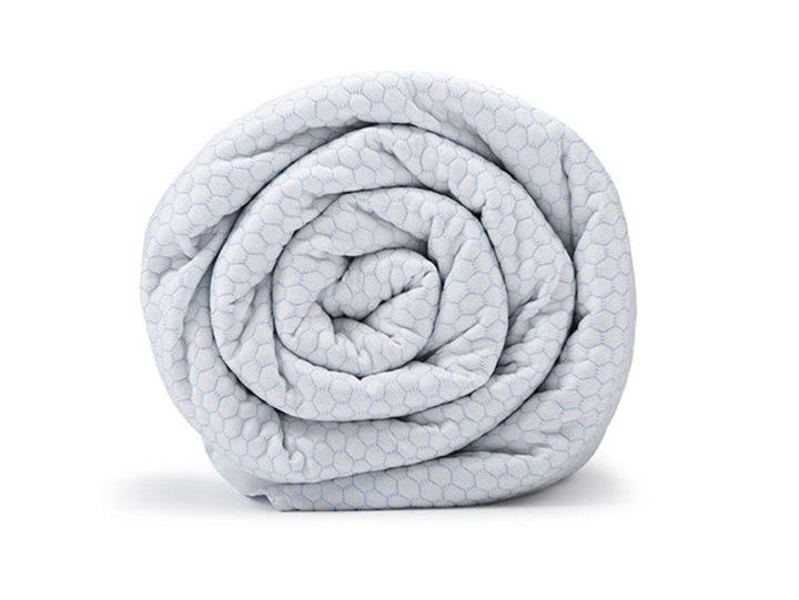 BlanQuil™ Chill Cooling Weighted Blanket with Removable Cover. (Photo: Yahoo Lifestyle shop)