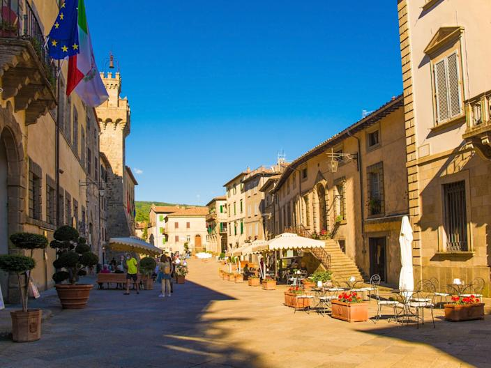 The high street in santa fiora (Getty Images)