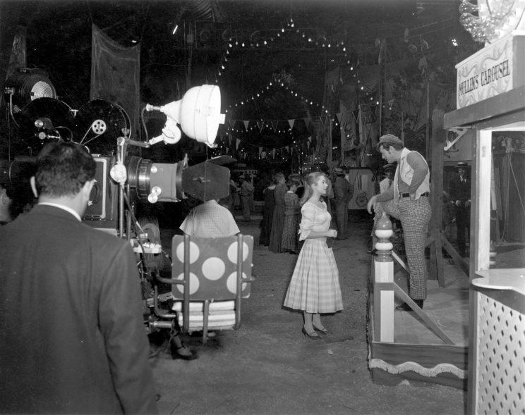 Shirley Jones and Gordon MacRae film the opening sequence of