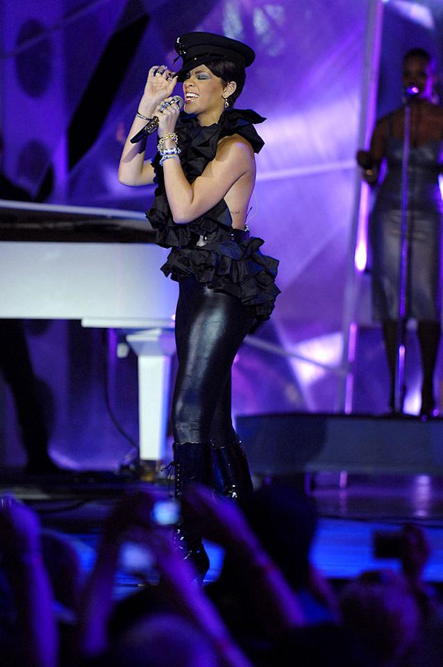 """Rihanna belts out her hit """"Take a Bow"""" at the 19th Annual MuchMusic Video Awards in Toronto, Canada. George Pimentel/<a href=""""http://www.wireimage.com"""" target=""""new"""">WireImage.com</a> - June 15, 2008"""