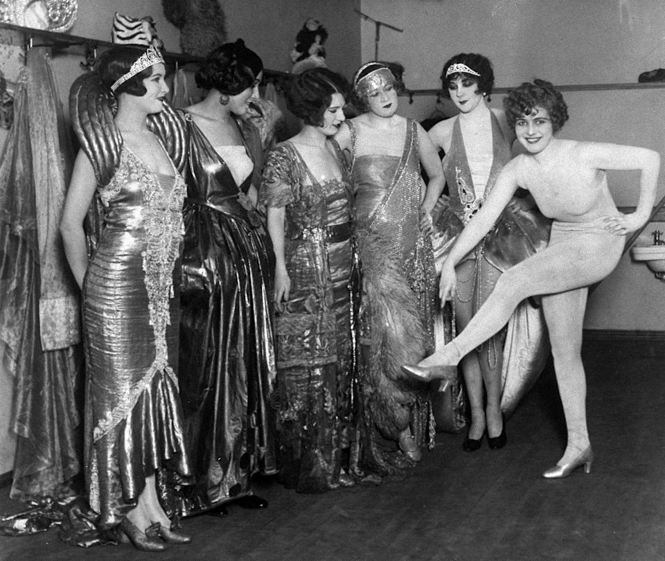 <p>Fay Lanphier from California, far right, was crowned Miss America in 1925. The beauty queen is seen here backstage with her fellow contestants.</p>