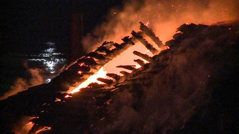 Floating home damaged in early morning fire in Richmond