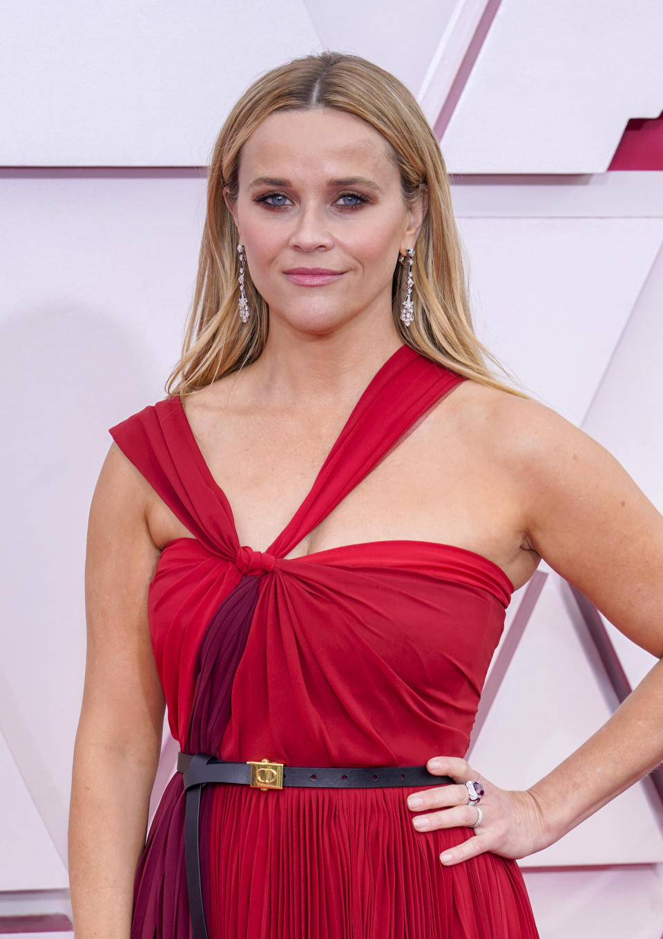 Reese Witherspoon wore Giorgio Armani's Luminious Silk Foundation to the Oscars on Sunday. (Getty Images)