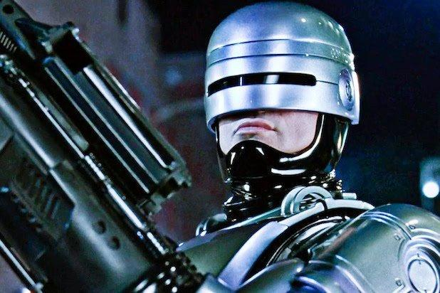 Neill Blomkamp to Direct 'RoboCop Returns' for MGM