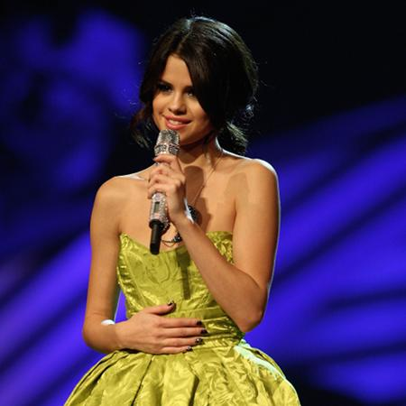 Selena Gomez reveals accent anxiety
