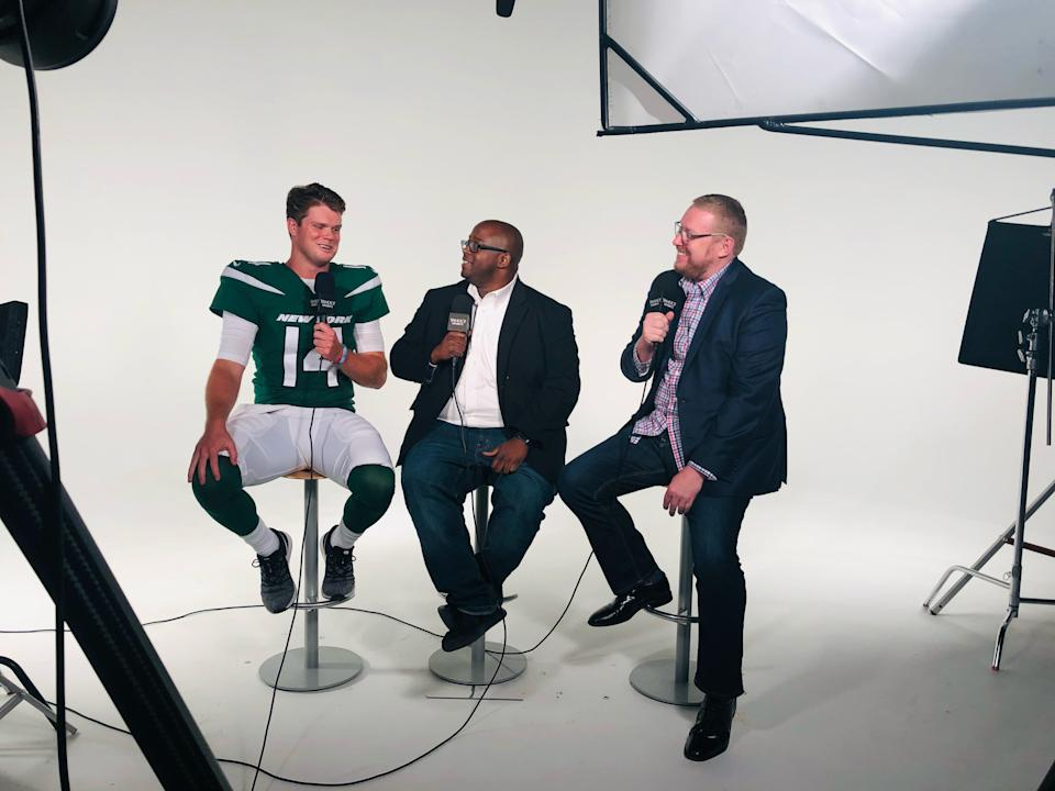 Terez Paylor, middle, along with colleague Charles Robinson interviewing Jets quarterback Sam Darnold. (Yahoo Sports)