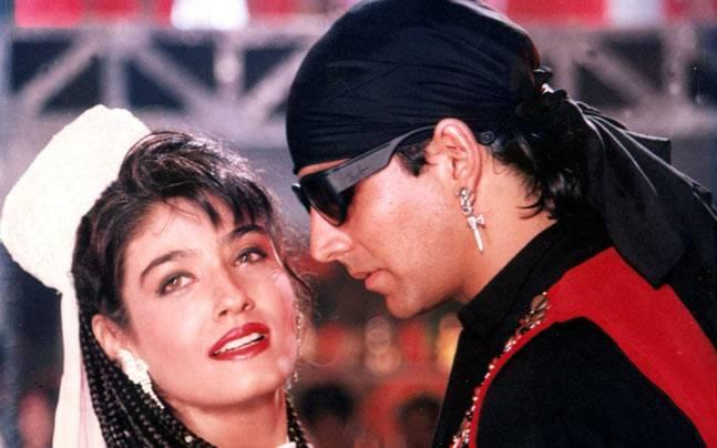 Akshay says working with Raveena was an honour. What went wrong between the ex-lovers
