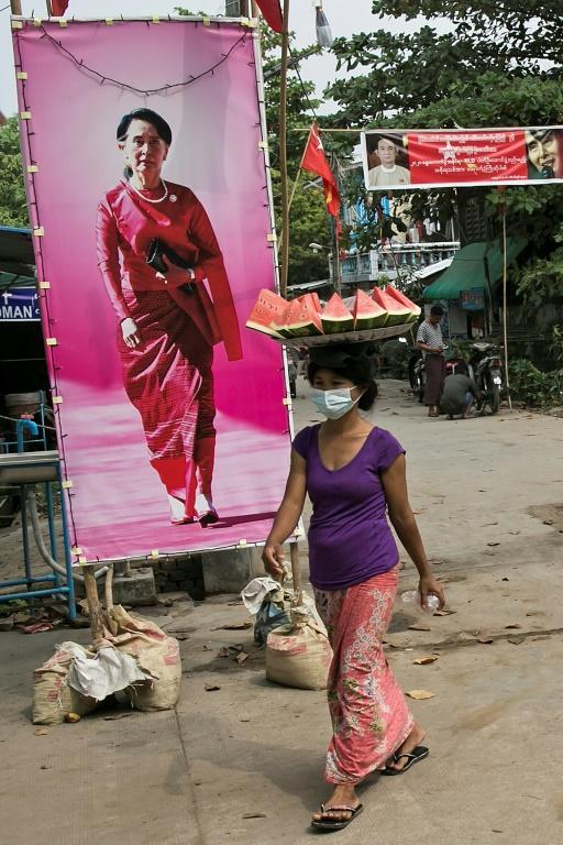 Smaller parties in Myanmar have called for a resolution between Aung San Suu Kyi and the military