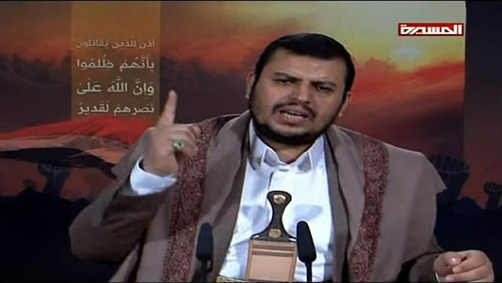 Image grab taken from a video broadcasted by Al-Masira TV on April 19, 2015, shows the Yemeni Shiite Huthi movement's leader Abdulmalik al-Huthi delivering a televised statement from an undisclosed location in Yemen (AFP Photo/)