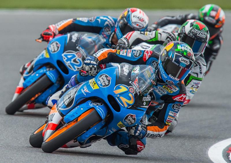 Estrella Galicia 0,0's Spanish rider Alex Marquez leads the pack during the Czech Republic's Grand Prix in Moto 3 on August 17, 2014, in Brno, Czech Republic (AFP Photo/Joe Klamar )