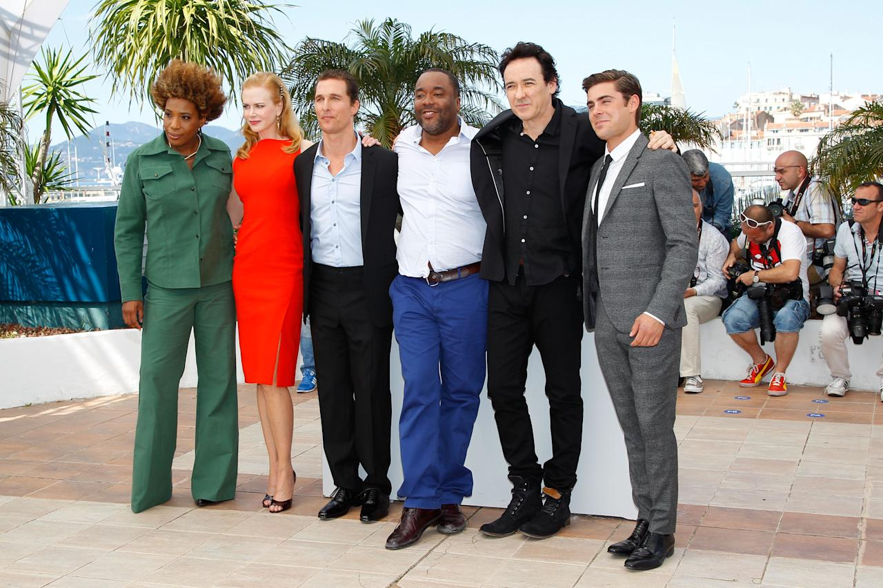 "CANNES, FRANCE - MAY 24:  Actors Macy Gray, Nicole Kidman, Matthew McConaughey, director Lee Daniels, John Cusack and Zac Efron attend the ""The Paperboy"" photocall during the 65th Annual Cannes Film Festival at Palais des Festivals on May 24, 2012 in Cannes, France.  (Photo by Andreas Rentz/Getty Images)"
