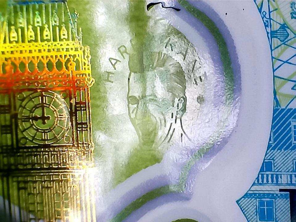 Micro-engraver Graham Short, 72, has spent hundreds of hours etching the 5mm portrait on 11 notes. (SWNS)