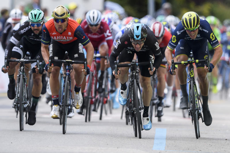 Cycling - Froome helps Viviani to Romandie win