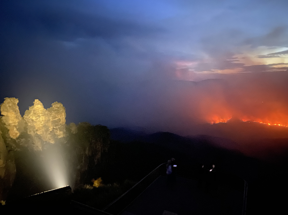 The fire at Ruined Castle was easily visible from Katoomba. Source: Twitter/ Josh McKinnon