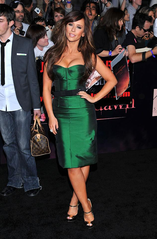 Jennifer Love Hewitt shows off her curves at the red carpet premiere for 'The Twilight Saga: Breaking Dawn – Part 1' in Los Angeles, CA. (Photo by Vince Bucci/Yahoo!)