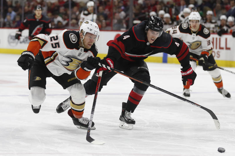 Bruins acquire Kase from Ducks for Backes, first-round pick, prospect