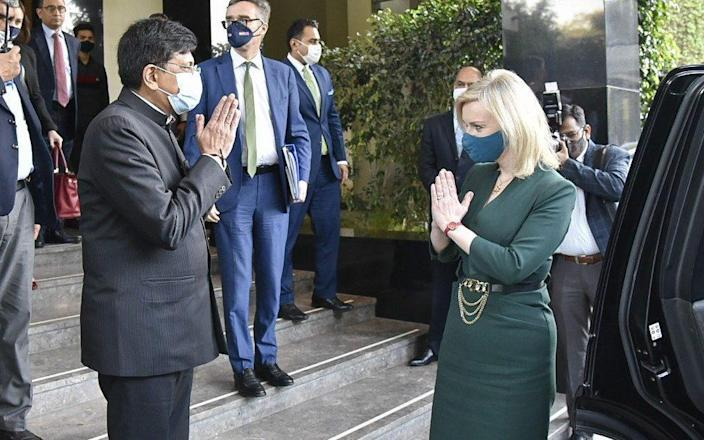 Liz Truss with Piyush Goyal, India's commerce and industry minister