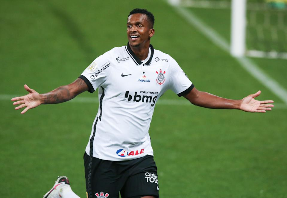 SAO PAULO, BRAZIL - DECEMBER 21: Jo of Corinthians celebrates after scoring the second goal of his team during the match against Goias as part of Brasileirao Series A 2020 at Neo Quimica Arena on December 21, 2020 in Sao Paulo, Brazil. (Photo by Alexandre Schneider/Getty Images)