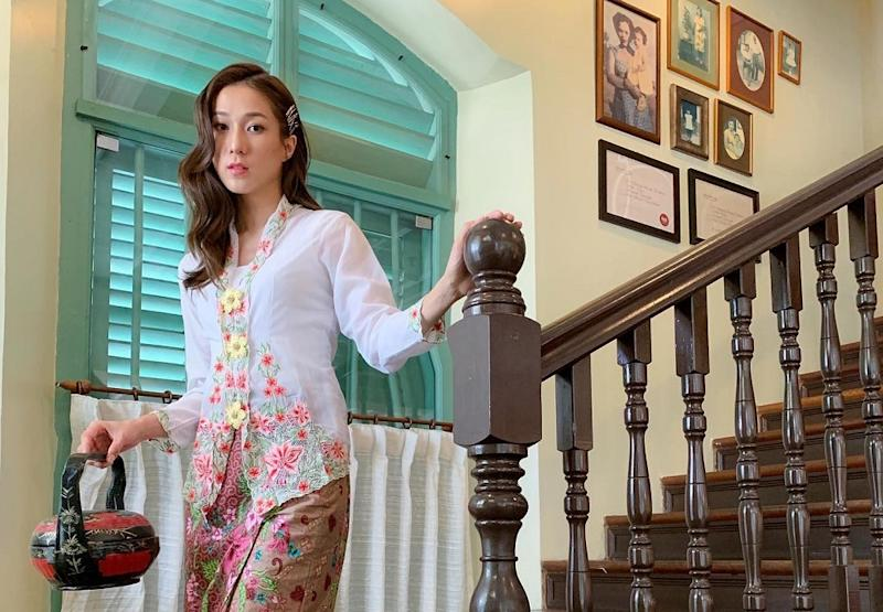 Hong Kong star Linda Chung decided to sport the traditional outfit during an event in Melaka, which is renowned for its Peranakan heritage. — Picture from Facebook/Kellymommy