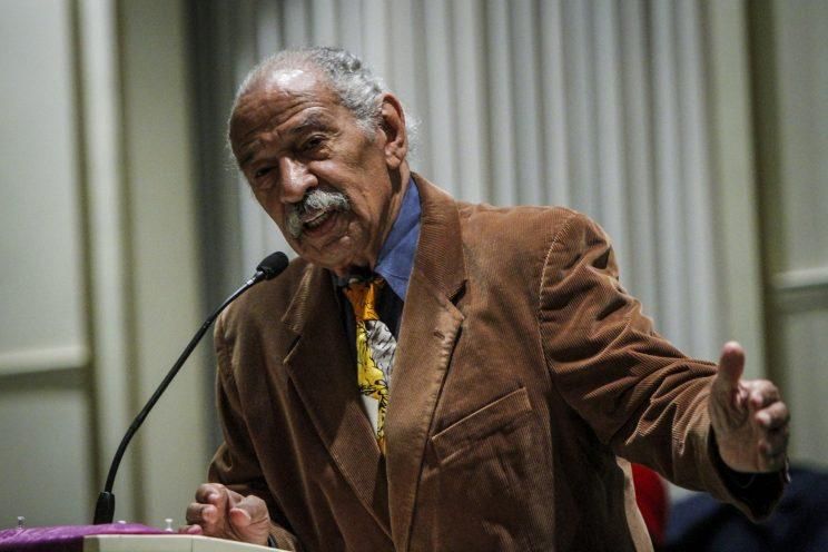 U.S. Rep. John Conyers (D-MI) speaks at a town hall meeting for Congressman Keith Ellison at the Church of the New Covenant-Baptist on December 22, 2016 in Detroit, Michigan. (Photo: Sarah Rice/Getty Images)