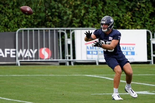 Talented tandem of Olsen and Dissly at tight end for Seattle