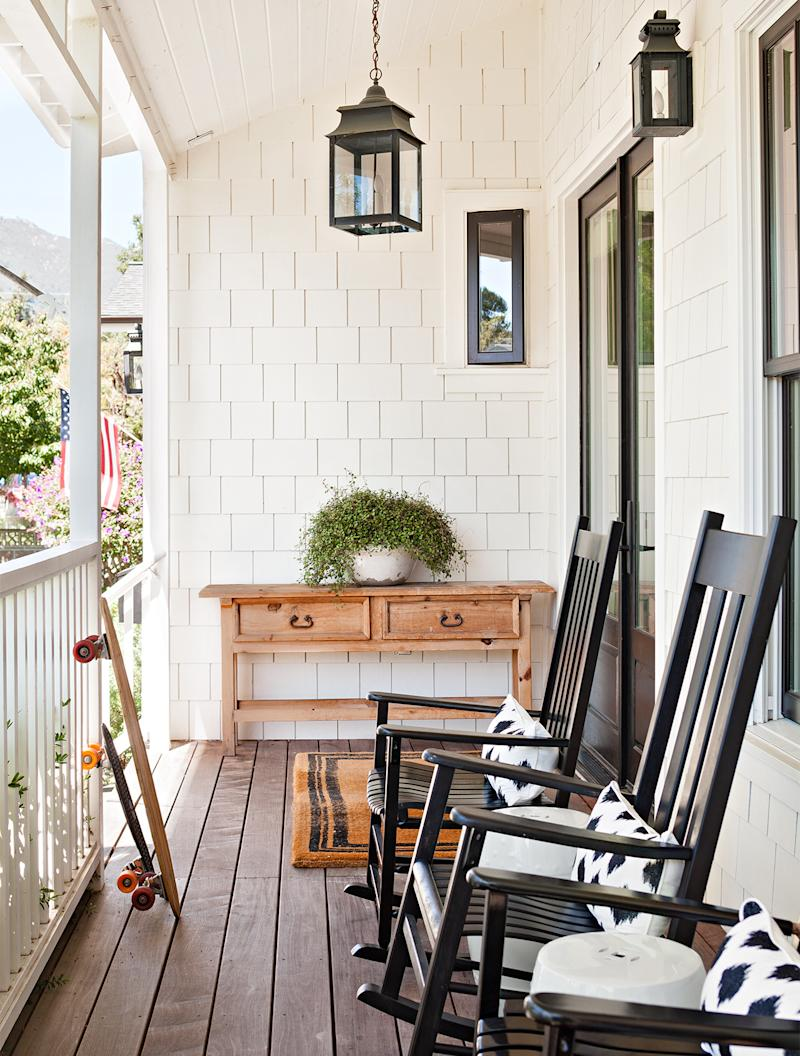 farmhouse front porch rocking chairs