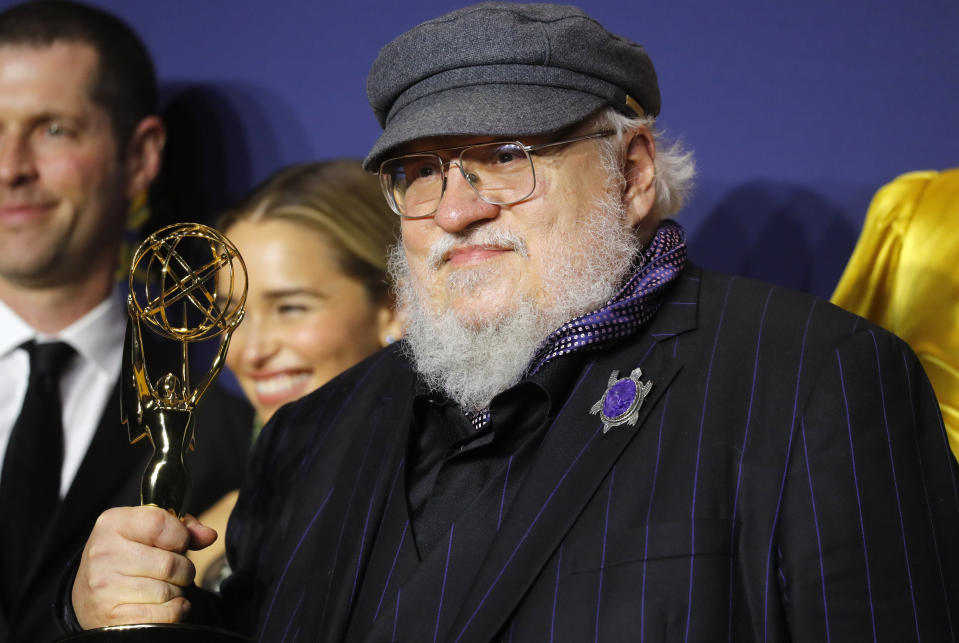 """70th Primetime Emmy Awards - Photo Room - Los Angeles, California, U.S., 17/09/2018 - George R. R. Martin poses backstage with the Outstanding Drama Series award for """"Game of Thrones."""" REUTERS/Mike Blake"""