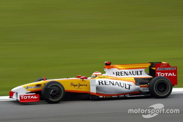 "2009: Renault R29 <span class=""copyright"">Steven Tee / Motorsport Images</span>"
