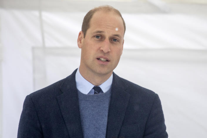 SUTTON, GREATER LONDON - OCTOBER 21: Prince William, Duke of Cambridge speaks to staff and patients to mark the construction of the groundbreaking Oak cancer centre at Royal Marsden Hospital on October 21, 2020 in Sutton, Greater London. (Photo by Jack Hill - WPA Pool/Getty Images)