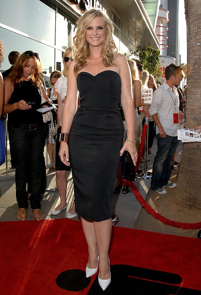 """<a href=""""http://movies.yahoo.com/movie/contributor/1804504093"""">Bonnie Somerville</a> at the Los Angeles premiere of <a href=""""http://movies.yahoo.com/movie/1810021980/info"""">The Ugly Truth</a> - 07/16/2009"""