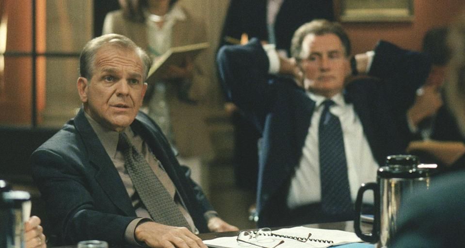 John Spencer as Leo McGarry with Martin Sheen as President Josiah Bartlet at meeting. (©Warner Brothers)