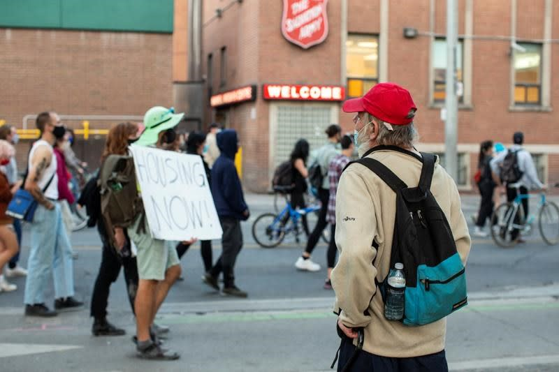 Advocates want winter plan for homeless in Toronto, city says plan is coming