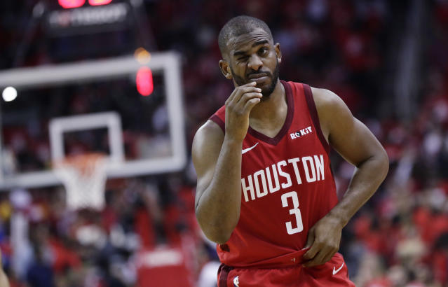 The New York Knicks reportedly declined a deal to acquire Houston Rockets guard Chris Paul. (AP Photo/Eric Gay)