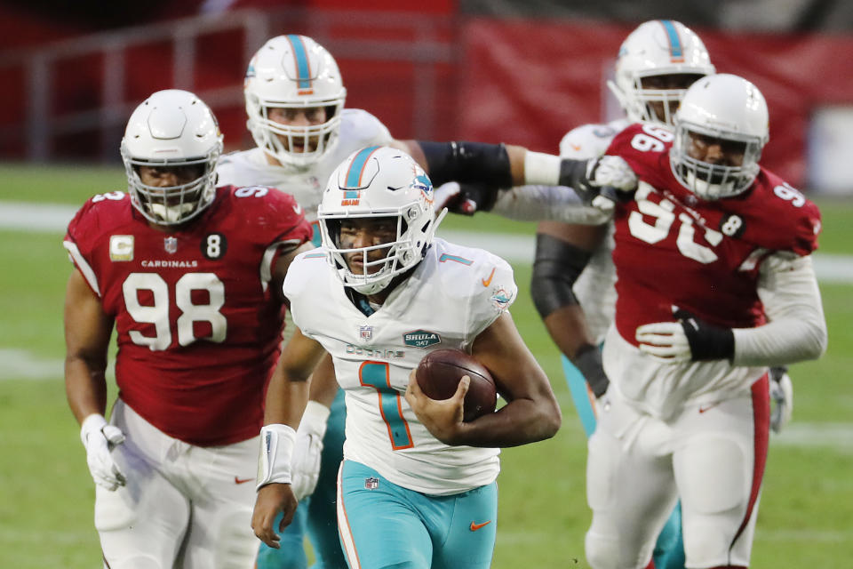 Tua Tagovailoa helped lead the Dolphins to their fourth straight win. (Photo by Chris Coduto/Getty Images)