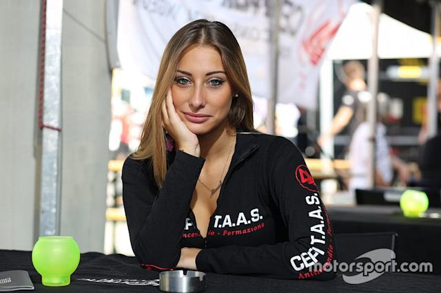 """Grid Girl al Pirelli Cup: Round 6 <span class=""""copyright"""">Ideal Gomme Eventi</span>"""