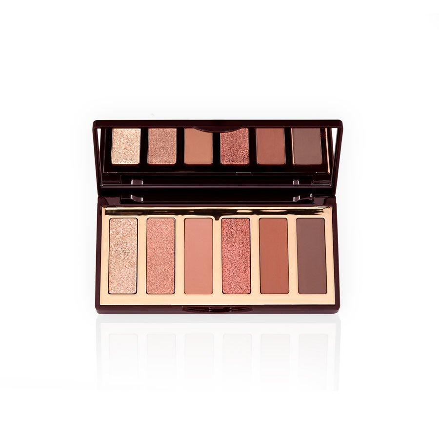 "<p>Inspired by the legendary makeup artist's soft-focus smoky eye, this six pan eyeshadow palette comes equipped with warm shimmery and matte tones to mix-and-match for your own ""sunset-inspired"" eye. </p>"