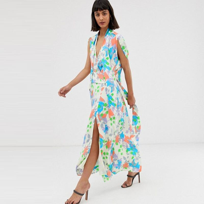 0a1c992a387 ASOS Design Plunge Neck Modern Maxi Dress with Cape Sleeves in Floral Print  (£60)