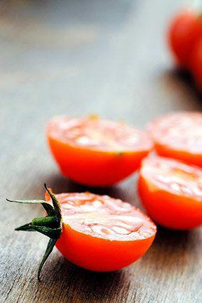 Lycopene, an antioxidant that can combat free radicals (molecules or ions that can damage healthy cells and suppress your immune system), gets the credit for tomatoes' ability to help protect against some cancers, including lung cancer. If possible, opt for Classica tomatoes -- in a study of 13 tomato varieties, Classicas ranked highest in lycopene.