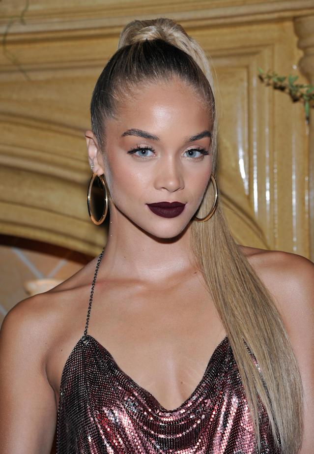 <p>The rising model showed off her good side wth a sleek high ponytail hairstyle, bronze eyeshadow, and matte burgundy lips at UGG x Jeremy Scott collaboration launch event in West Hollywood, Calif. (Photo by John Sciulli/Getty Images for UGG) </p>
