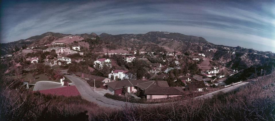 <p>Johnny Depp, Orlando Bloom, Jennifer Anniston, Leonardo DiCaprio and Marilyn Monroe were all rumored to live in the Hollywood Hills at one point or another. <br></p>