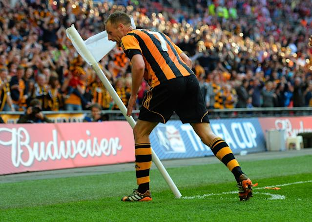LONDON, ENGLAND - APRIL 13: David Meyler of Hull City celebrates scoring their fifth goal during the FA Cup with Budweiser semi-final match between Hull City and Sheffield United at Wembley Stadium on April 13, 2014 in London, England. (Photo by Shaun Botterill/Getty Images)