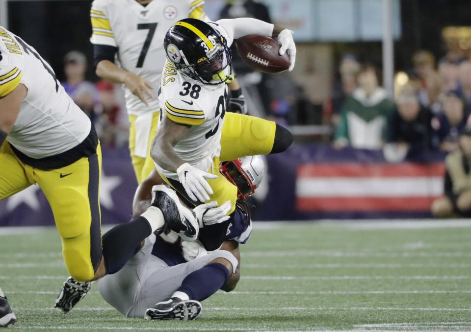 New England Patriots outside linebacker Dont'a Hightower tackles Pittsburgh Steelers running back Jaylen Samuels (38) in the first half an NFL football game, Sunday, Sept. 8, 2019, in Foxborough, Mass. (AP Photo/Steven Senne)