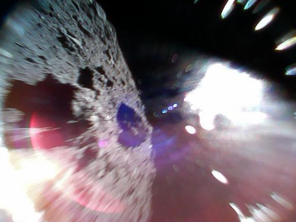 Space hoppers hitch ride on an asteroid