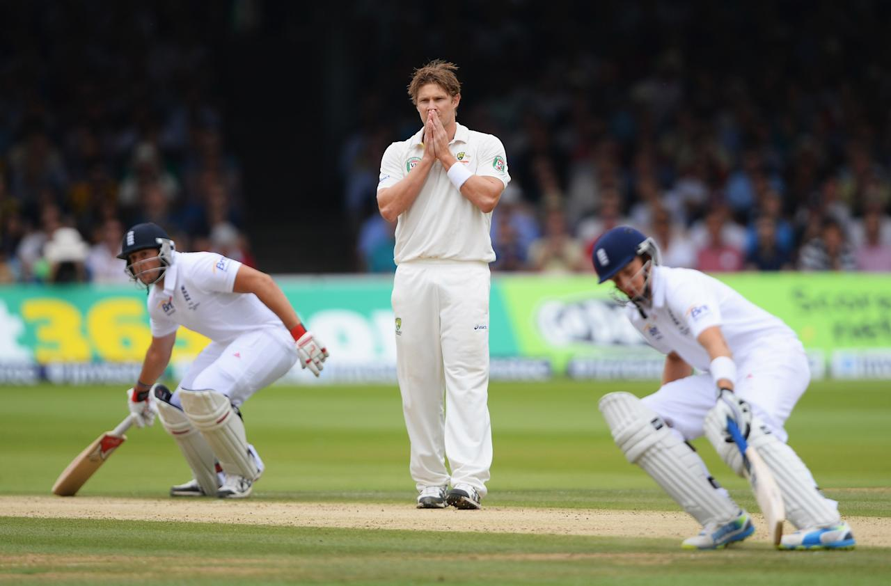 LONDON, ENGLAND - JULY 20: Shane Watson of Australia looks on as Tim Bresnan (L) and Joe Root of England run between the wickets during day three of the 2nd Investec Ashes Test match between England and Australia at Lord's Cricket Ground on July 20, 2013 in London, England. (Photo by Mike Hewitt/Getty Images)